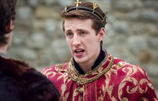 Actorsplaying the King of England in open air Sheakespear theater production
