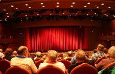 Miksi teatteri on suosittua?